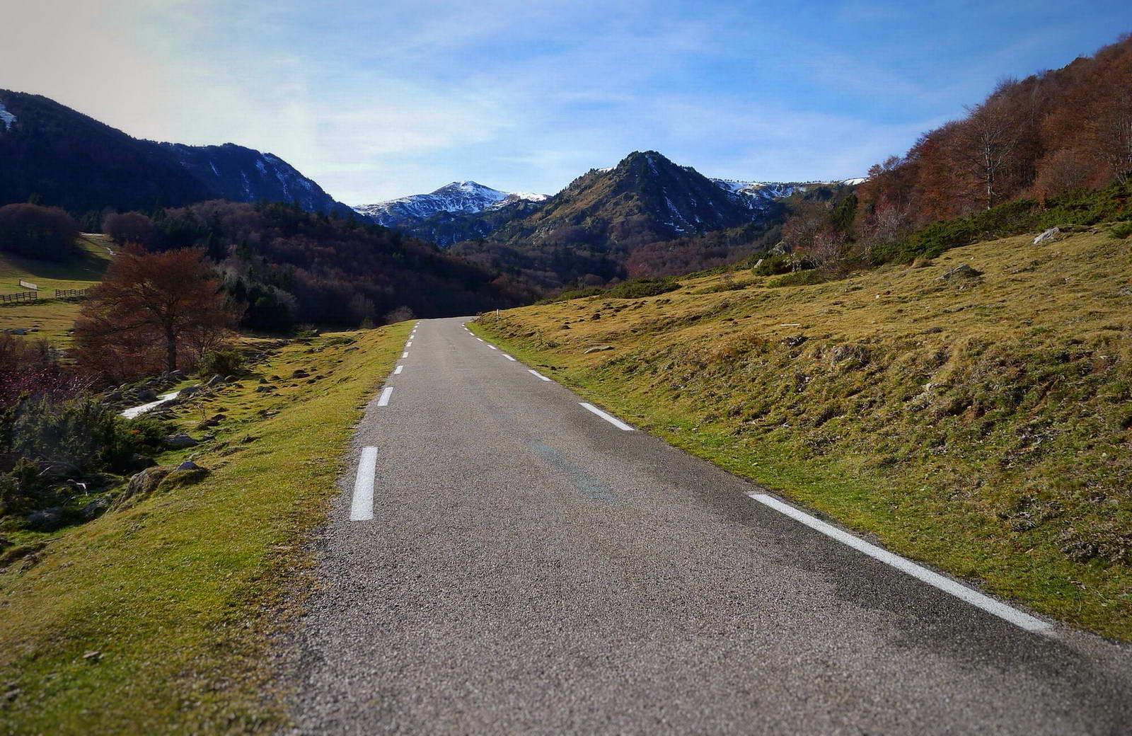 Tracks Cerdanya ROAD ruta por etapas viaje en bici carretera bicicleta Pirineos mejores puertos La Vuelta España