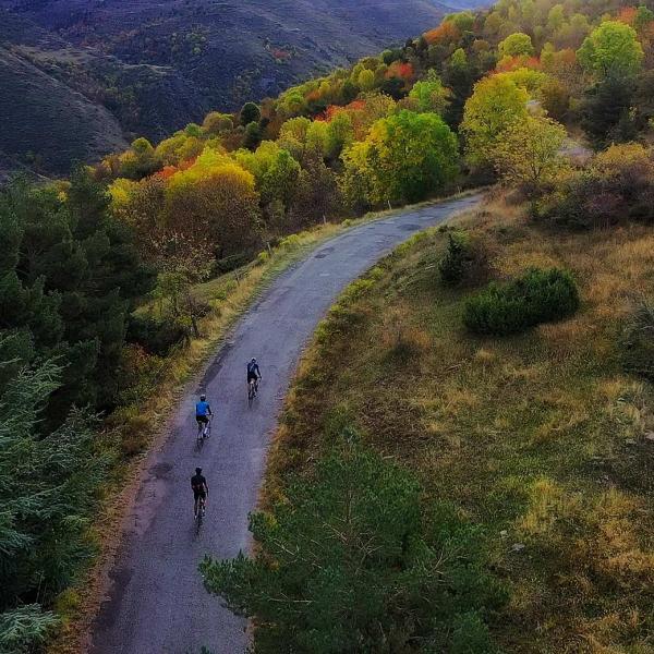 Tracks Cerdanya ROAD ruta por etapas viaje bici carretera bicicleta Pirineos Pailheres Toses